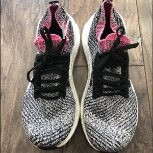 ADIDAS ULTRA BOOST RUNNING SNEAKERS SIZE 7